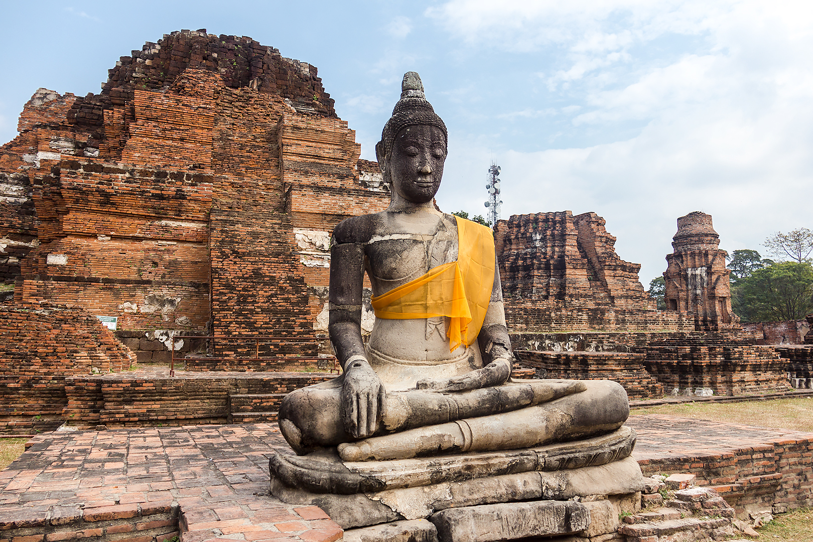 Ayutthaya statue